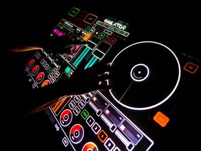 I sei migliori programmi per DJ gratis e a pagamento